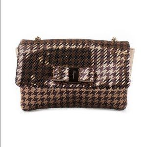 LAST CHANCE✨$2400!! Ferragamo 'Vara' Bag in bronze